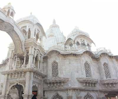 Srila-Prabhupada-Samadhi-Mandir